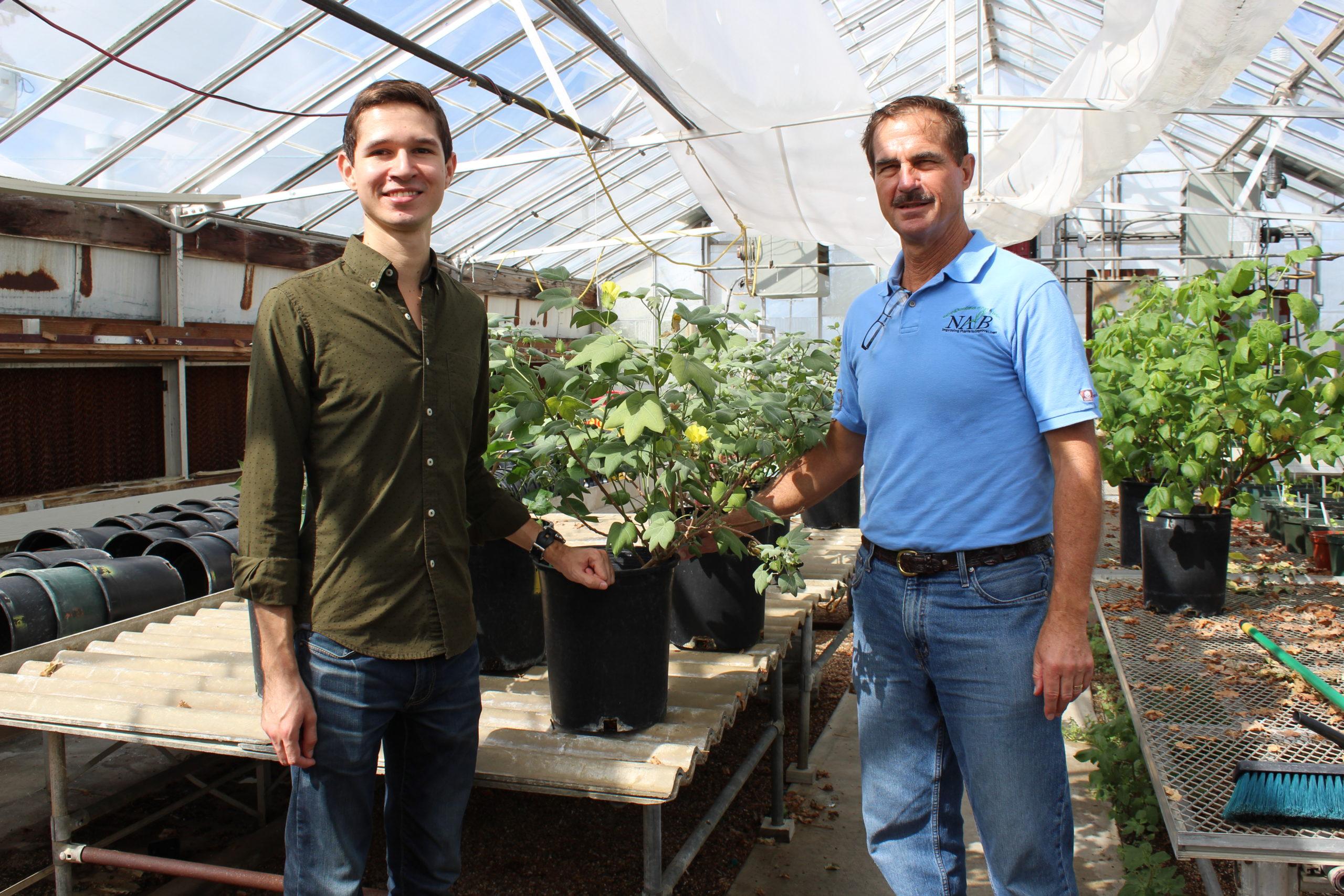 Dr. David Stelly and Luis de Santiago